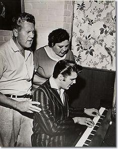 doowop music, entertain marbella, piano, sing famili, cousin, elvi presley, families, beauti song, elvis presley