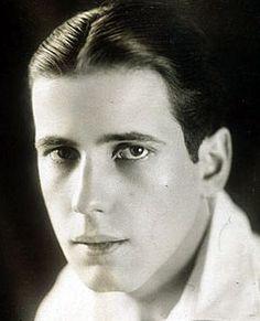 A young Humphrey Bogart.