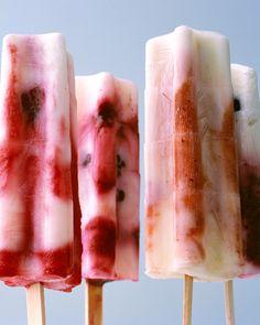 tie dye pops. vanilla yogurt, berries, lemon juice. from martha.