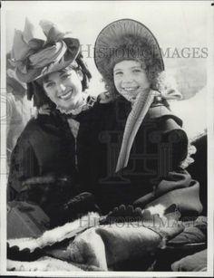 1982 Press Photo Actress Aileen Quinn Dorothy Hamill | eBay