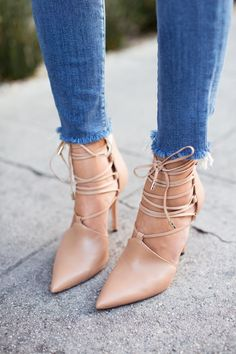 nude shoes, hem jeans, bow ties, nude pump, rachel roy style, lace up shoes, nude lace, sexy pumps, fray hem
