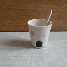 Tasse en porcelaine / Handmade porcelain cup par Virginiegallezot