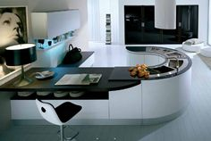 Despre bucataria intima a celebritatilor (3) white kitchen, contemporary kitchens, kitchen idea, colorful kitchens, black kitchens, kitchen design, modern kitchens, kitchen islands, dream kitchens