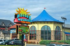 Mellow Mushroom - Hoagies and Pizzas! #delicious #restaurant #pigeonforge