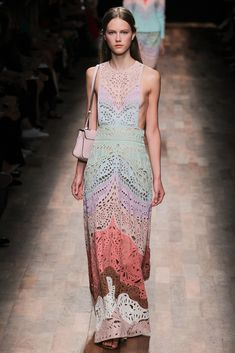 Valentino Spring 2015 Ready-to-Wear - Collection - Gallery - Style.com