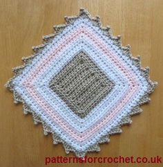 Pot plant mat free crochet pattern from http://www.patternsforcrochet.co.uk/a-decorative-mat-usa.html #freecrochetpatterns #patternsforcrochet