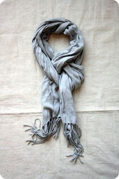 the new way to tie a scarf