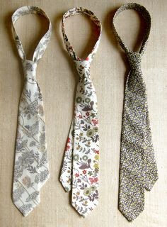 Make your own ties #tutorial, #pattern, #men, #ties, #sewing, #fathers day,