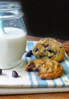 The Ultimate Chocolate Chip Cookie Recipe | by Life Tastes Good is chewy with just the right amount of crunchy! #LifeTastesGood #Cookies