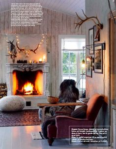 living rooms, dream cabin, lodg, antlers, christmas lights