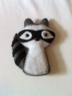 Raccoon plush toy  #racoon #raccoon #felt #DIY<<I'm not sure why, but I love these little felt characters