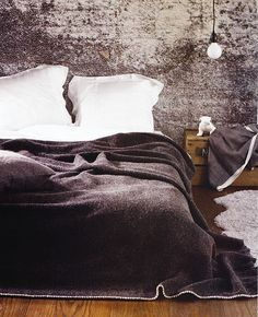 textured wall   bedroom
