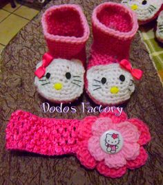 I can't find a pattern for these #hello #kitty Booties..anybody know of one online?