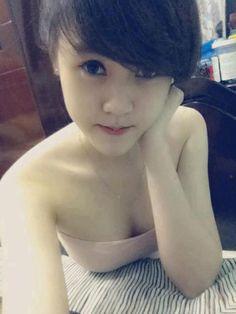 http://megai.mobi/tu-suong/hot-girl-co-guong-mat-thien-than/
