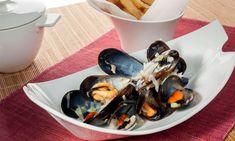 Receta de mejillones y patatas fritas. Receta de Bruno Oteiza de mejillones y patatas fritas, moules et frites, un plato típico de la cocina belga, especialmente de Bruselas y la costa de Bélgica. #mejillones #patatasfritas #fishandchips #seafood
