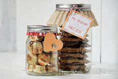 Reese's Peanut Butter Cup Chocolate Chip Cookies with printable card, {love the upside down cupcake liners}.