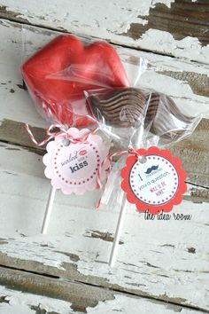 #Valentine candy #moustache & lips with printable from the idea room