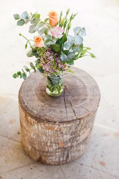 simple and pretty is the name of this floral arrangement's game | Photography by gladysjem.com, planning by http://chicconcepts.com.mx  Read more - http://www.stylemepretty.com/2011/09/12/boho-chic-inspiration-shoot-by-brienne-michelle-photography/