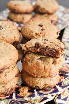 Flourless peanut butter chocolate chip cookies | from @Bianca Garcia