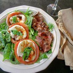 Steak Caprese Salad #WeekdaySupper
