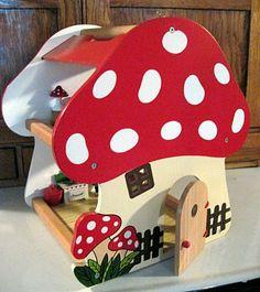 Toadstool house!