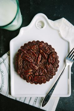 Handmade Mood   Double Chocolate Pecan Pie   http://handmademood.com