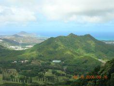 Mountains and beach...Hawaii!