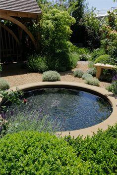 Beautiful pond in de garden