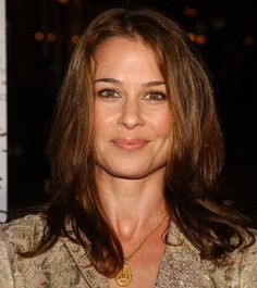 Julie Warner as Barbara. You know her from Tommy Boy, Family Law, and Nip/Tuck!