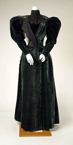 Walking Dress 1893, French, Made of silk and cotton