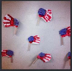 Hope everyone had a very Happy Memorial Day! Our Giraffe class made these hand print USA Flags... so cute!