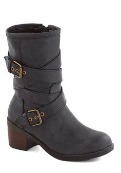 Strappy buckle boots? Yes, please!
