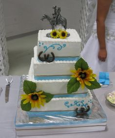 light-color-western-wedding-cakes ~ http://womenboard.net/western-wedding-cakes/