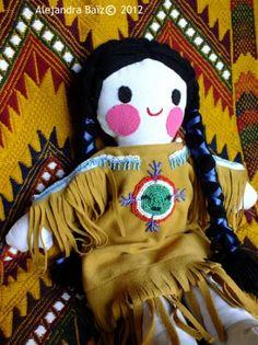 Preciosa muñeca de tela con bordados de chaquira. Serie limitada!!