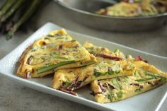 Asparagus and Balsamic Onion Frittata - www.countrycleave...
