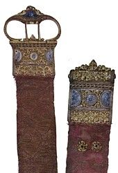 Article in medieval girdles and belts