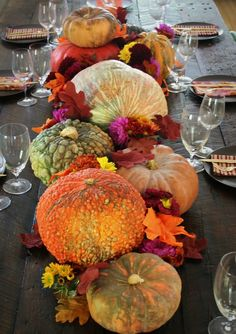 A beautiful Thanksgiving table arrangement