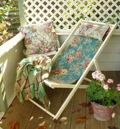 I love this deckchair recovered with vintage fabric