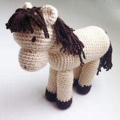 Crochet amigurumi horse // caballo de ganchillo