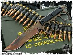 US Made Knuckle Trench Knife Recurve - Hand Patina