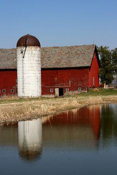 Charlotte, Vermont . red barn . white silo . farm
