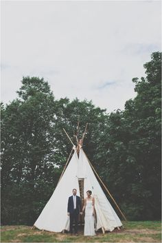 bohemian woodsy wedding, photo by Hazelwood Photo http://ruffledblog.com/two-artists-marry-atop-columbia-gorge #weddingideas #weddingportrait