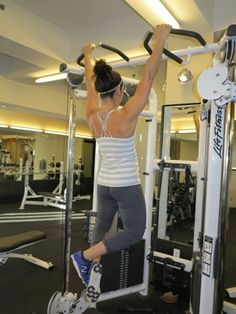 Ladies: Do your pull-ups! Here's how to begin...
