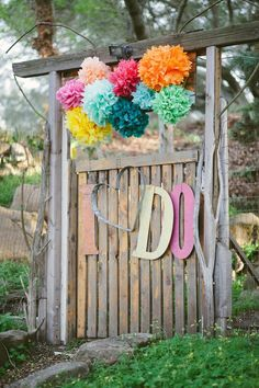 Love the colors! // photo by Justin & Keary Weddings