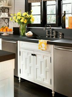 kitchen black counters