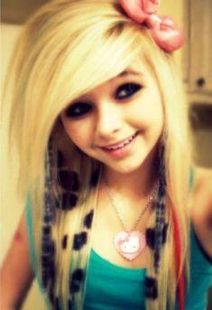emo girl shes so pretty