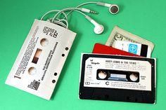 how to make a canvas pouch with photos of retro items - cameras, cassettes, etc. via photojojo