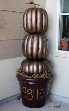 Pumpkin porch decor