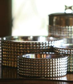 Make a statement with the Berlin Dog Bowl Collection.