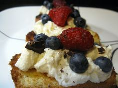 Grilled pound cake with cannoli cream and berries
